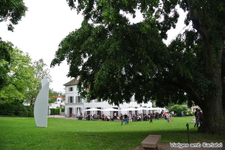 Villa Berower on es troba la Fundació Beyeler