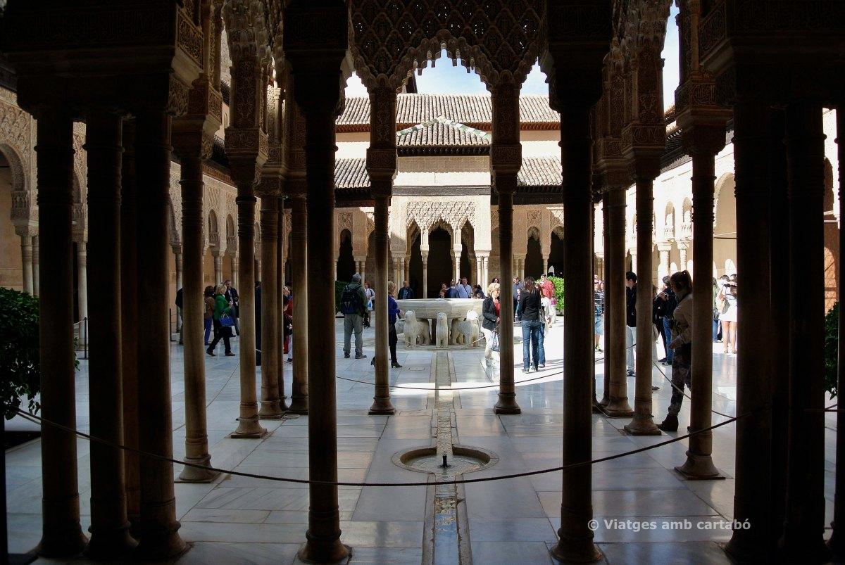 El patio de los leones de l'Alhambra, restaurat