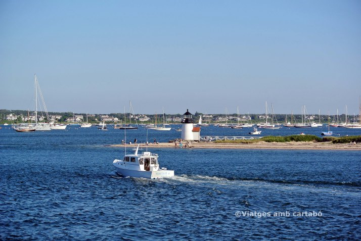 Panoràmica de Brant Point Light amb Nantucket al fons