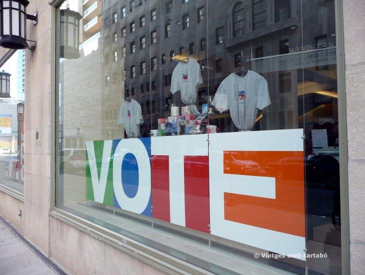 Comerç animant a votar a Chicago