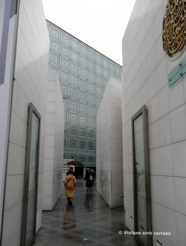 Plaça Institut del Món Àrab