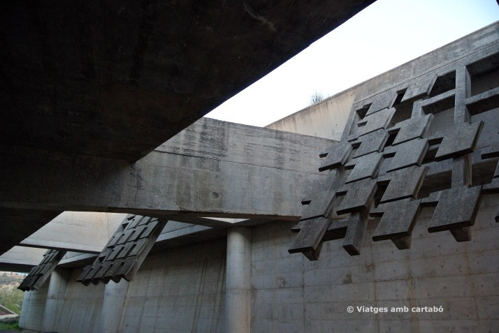 Capella obertures del sostre Cementiri Igualada