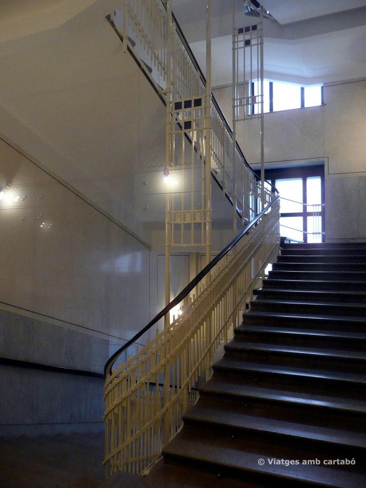Escala interior Postsparkasse