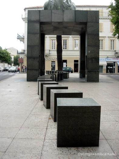 Abribus de Phillippe Starck Blocs de marbre