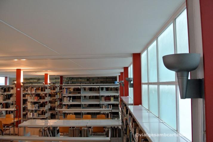 Interior Detall Biblioteca Pavello de la Republica Sert