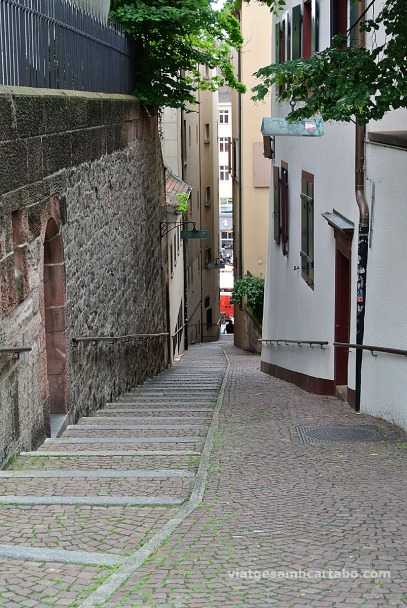 Basilea carrer estret