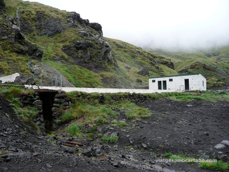 La piscina està als peus de l'Eyjafjallajökull