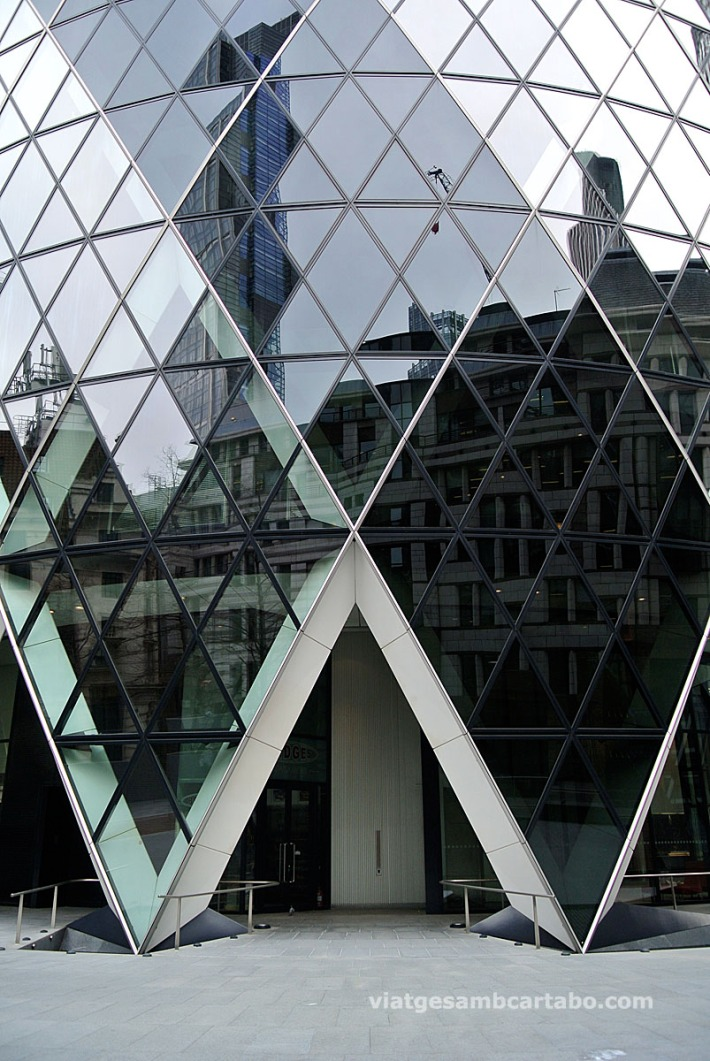 Foster+Partners 30 St. Mary Axe Tower Accessos