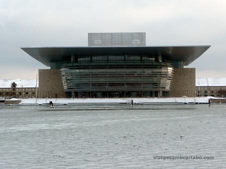 Impressionant sostre en voladís de l'Opera de Henning LarsenImpressionant sostre en voladís de l'Opera de Henning Larsen