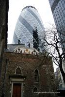 St Helen's Bishopsgate i la Gherkin Tower