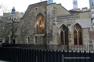 St. Helen's Bishopsgate, l'església més gran conservada a la City (orígens al S.XIi)