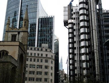 Willis Building by Foster+Partners vs. Lloyd's by Richard Rogers