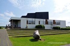 Accés i Terrasses de gespa a la Nordic House