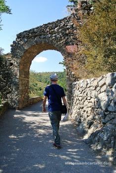 De camí cap al Castell de Castellnou