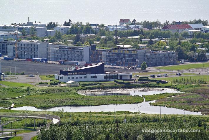 Vista pseudoaèrea de la Nordic House d'Alvar Aalto
