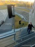 Pujant el trampolí per les escales