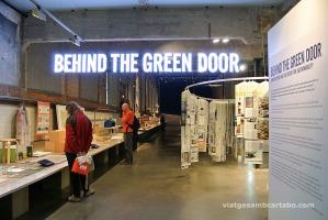 """Exposició """"Behind the Green Door"""""""
