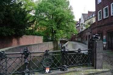 Un dels pocs canals on es pot veure el que queda del riu Düssel