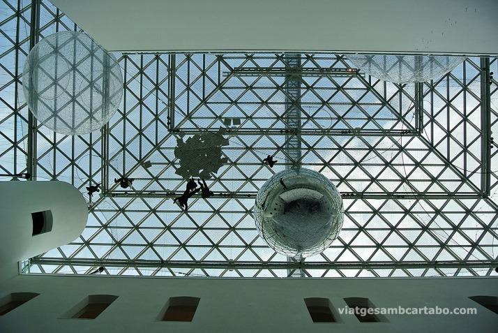 """""""In orbit"""" al sostre del K21"""