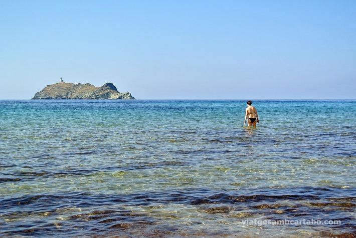 Barcaggio platja Illa de la Giraglia