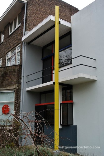 Rietveld House entrada vertical