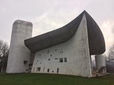 Un lloc de peregrinació. Arquitectura en majúscules.