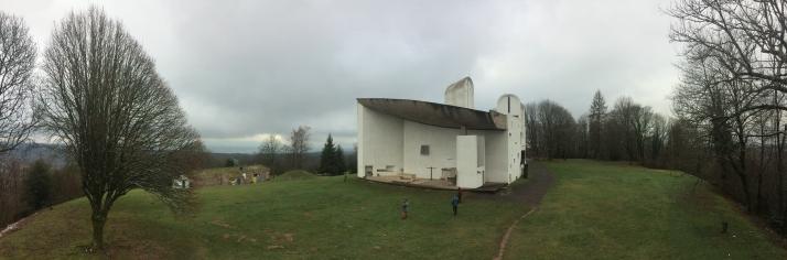 Visió des del Memorial de la Guerra fet per Le Corbusier