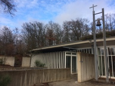 Ciment, vidre i fusta ajuden a la pau interior de les seves residents