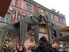 Preciosa decoració de la façana principal